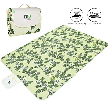 8. Foldable Outdoor Blanket Mat by MIUCOLOR