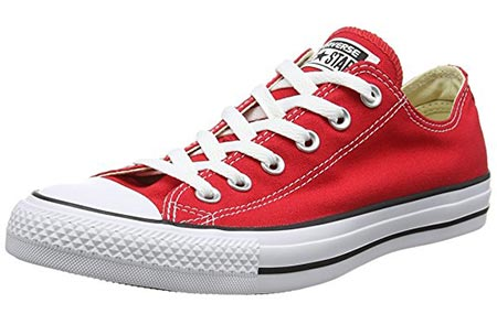 2 Converse Chuck Taylor All Star Ox Sneakers